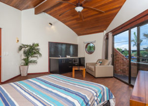 Aquarius Backpackers Byron Bay Accommodation - Image Credit: Destination NSW